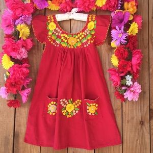 Other - Mexican hand embroidered dress size 6-7 Years old